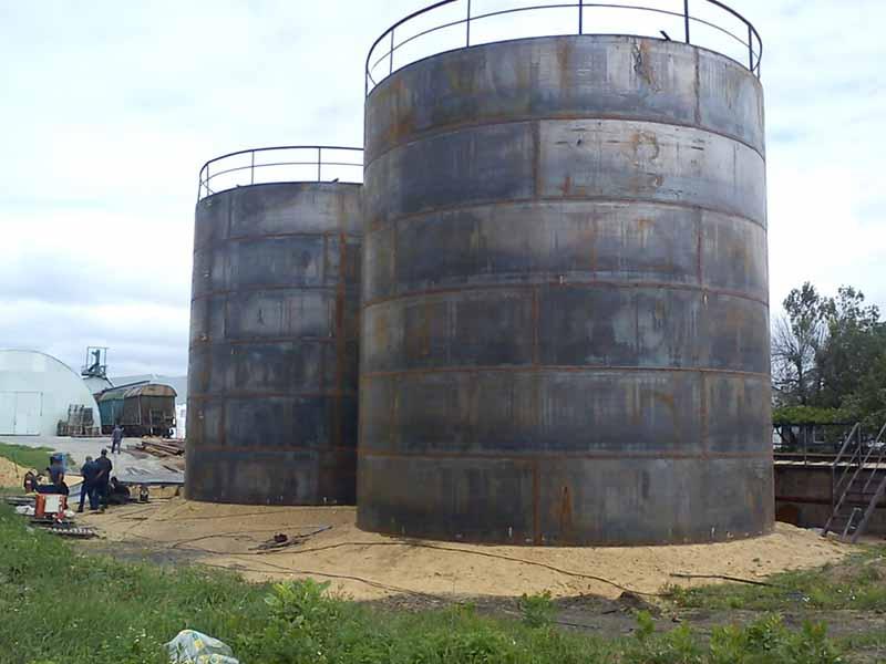 DSC00646 Construction of the tank farm for liquid chemical fertilizers