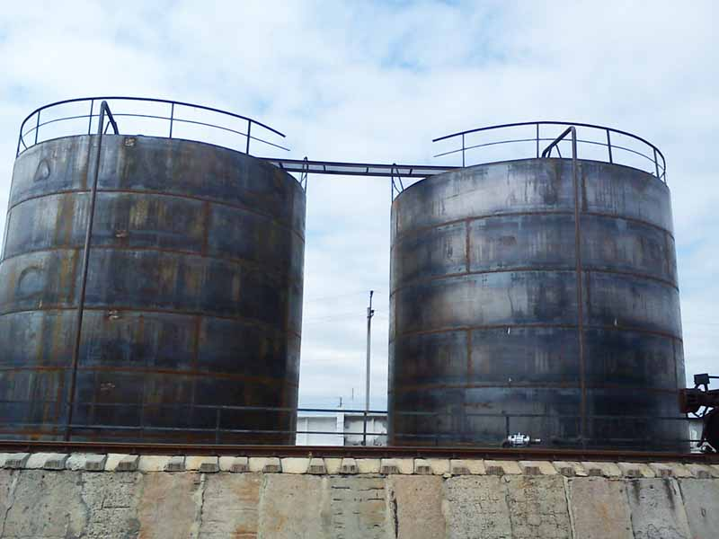 DSC00649 Construction of the tank farm for liquid chemical fertilizers