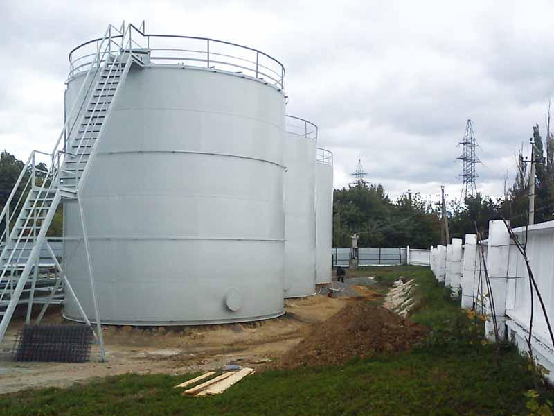DSC00690 Construction of the tank farm for liquid chemical fertilizers