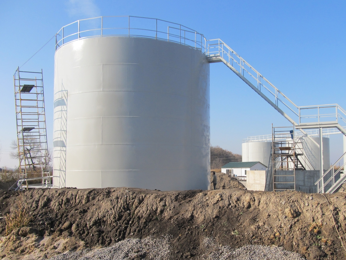 IMG 5883 Liquid chemical fertilizers tank farm