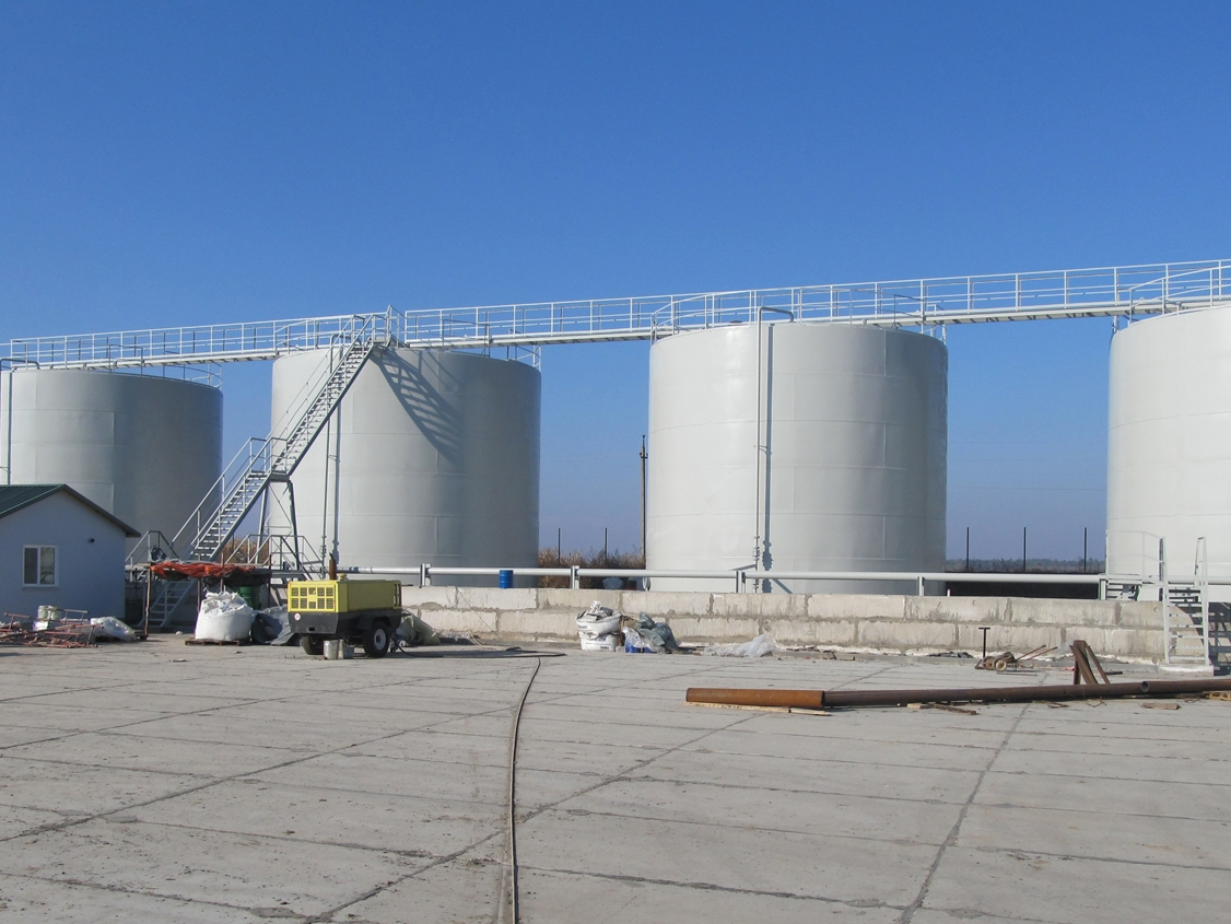IMG 5923 Liquid chemical fertilizers tank farm
