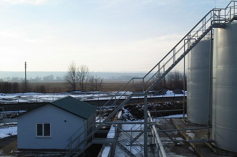 rezervuary dlya nefteproduktov v kazahstane foto Резервуары для нефтепродуктов (Казахстан)
