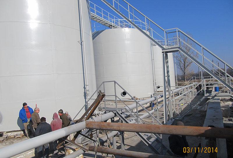izgotovlenie rezervuarov dlya nefteproduktov foto Изготовление резервуаров для хранения нефтепродуктов