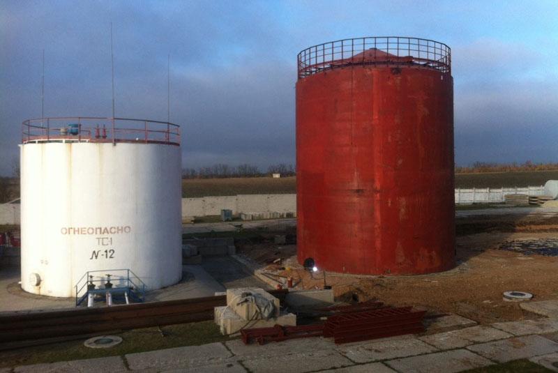 rezervuar dlya nefteproduktov foto Резервуар для хранения нефтепродуктов